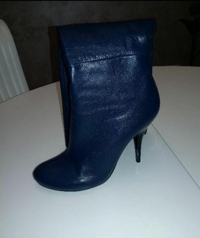 Очень стильные, синие кожаные сапоги - Фото 2