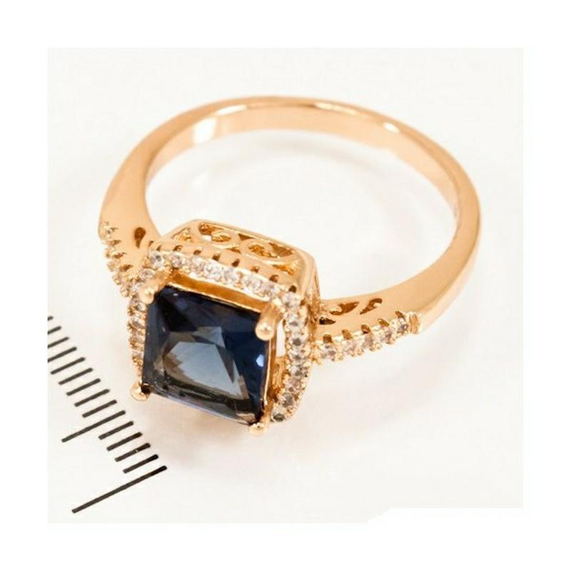 Кольцо квадратный синий камень