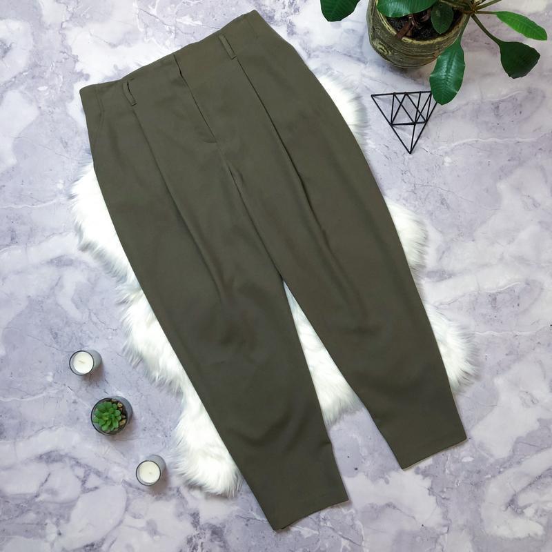 Крутые брюки хаки высокая посадка