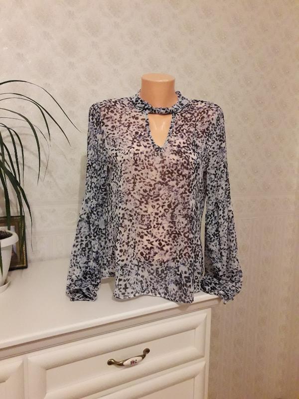 Стильная блуза с обьемными рукавами, р. 10