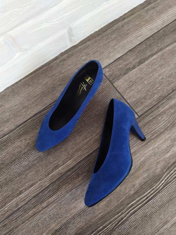 Стильные туфли лодочки с глубоким v образным вырезом