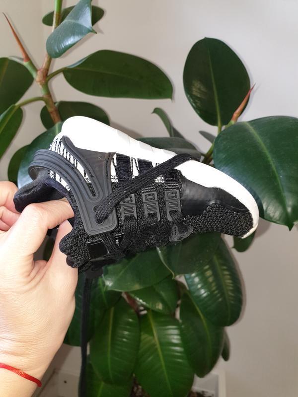 Малышарские кроссовки adidas 22p. - Фото 3