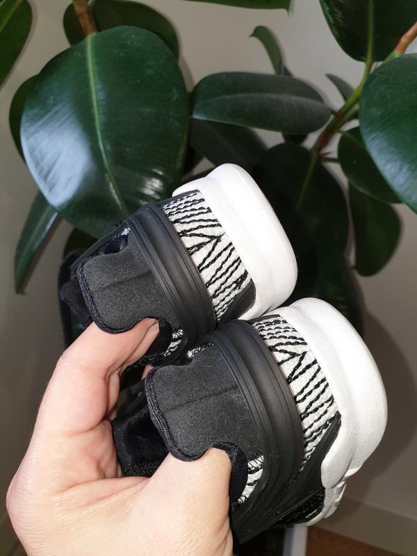 Малышарские кроссовки adidas 22p. - Фото 5