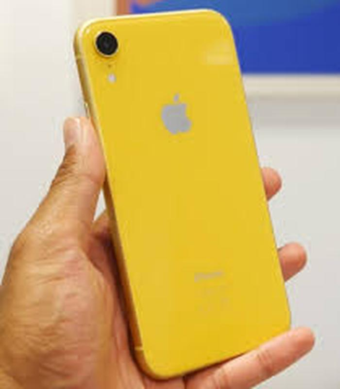 Б/У Apple iPhone XR 64GB Yellow