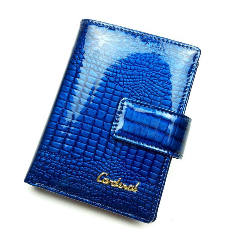Женский маленький кожаный кошелек на кнопке cardinal синий