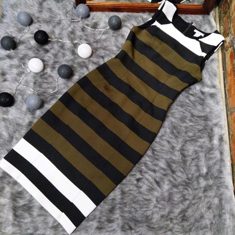 Облегающее по фигуре платье чехол футляр h&m