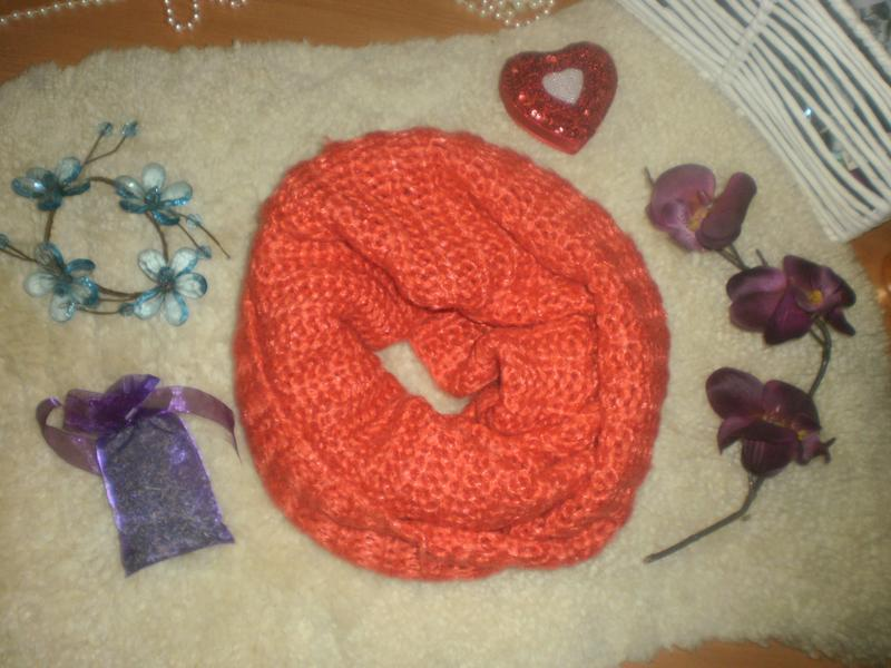 Шикарний тепленький яскраво-оранжевий шарф-снуд-хомут-капюшон ...