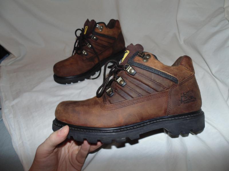 Ботинки cat caterpillar оригинал кожа новые размер по факту 43...