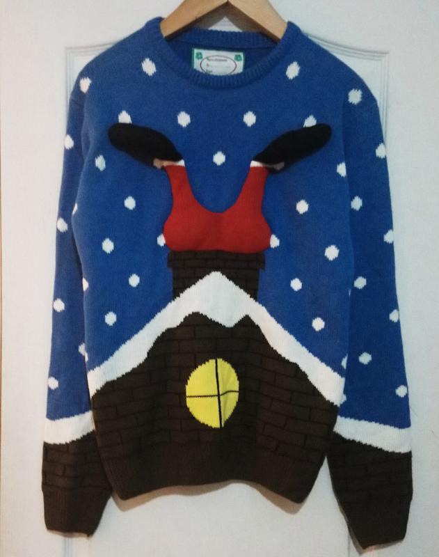 Новогодний объёмный свитер. санта застрял в трубе.
