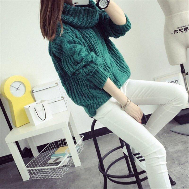 Красивый свитер крупной вязки оверсайз с объёмным горлом