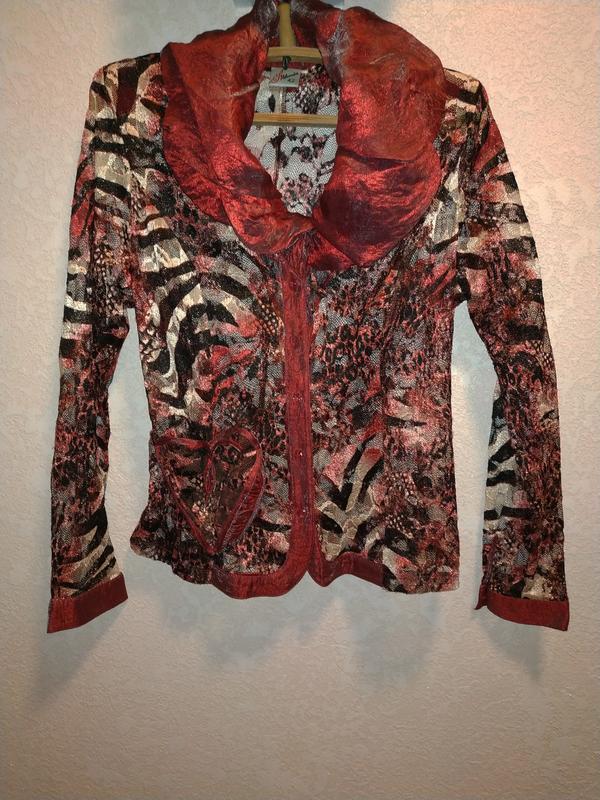 Блуза- гипюр
