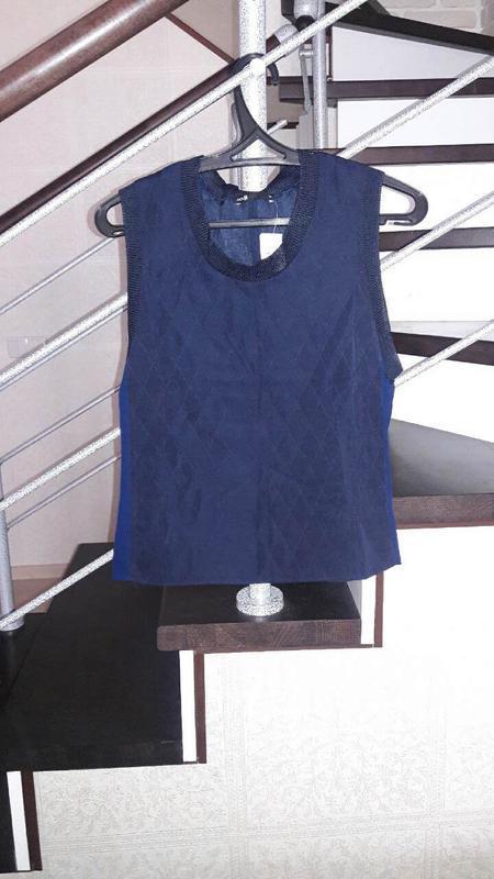 Шикарная  фимренная блуза ,футболка