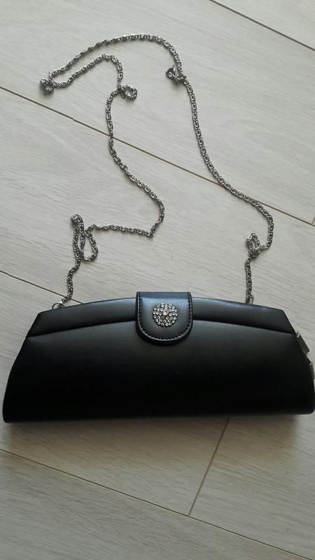 Красивый кожаный клатч - сумка с камнями