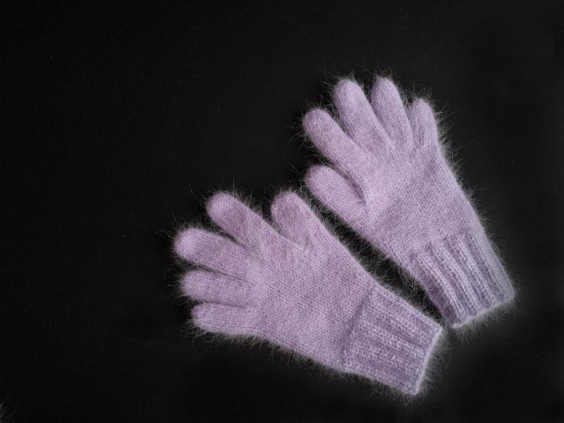 Вязаные перчатки ангора пушистые ручная работа