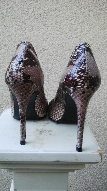 Кожанные туфли-лодочки под рептилтю,каблук,испания, zara, - Фото 5