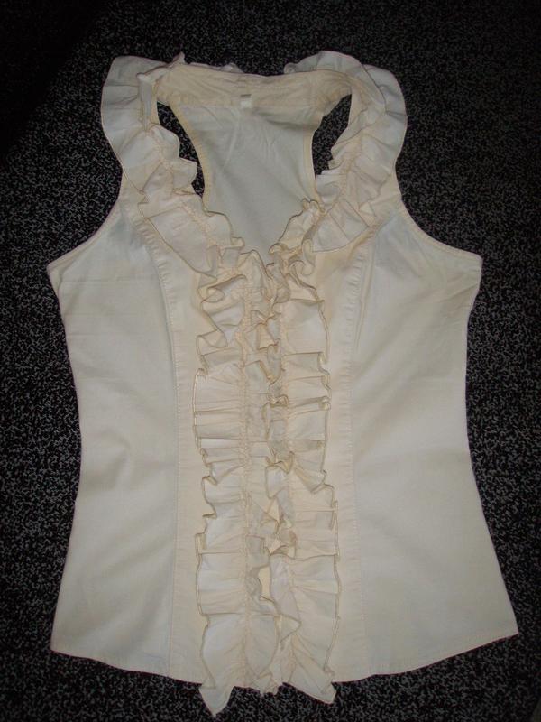 Бежевая летняя блуза