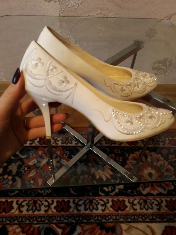 Нарядные кожаные туфли