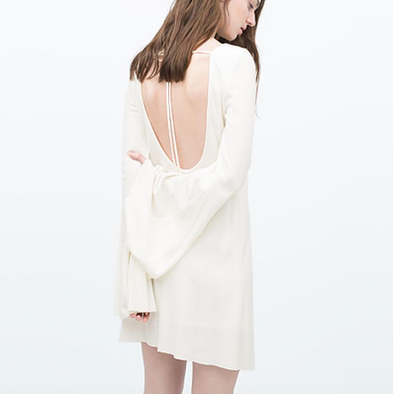 Изысканное платье в рубчик с глубоким вырезом на спине от zara