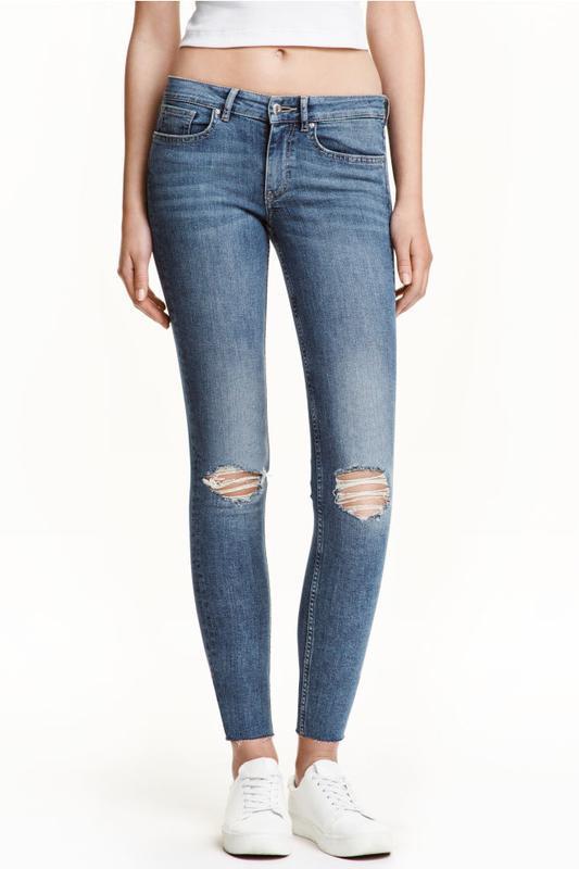 Узкие джинсы/штаны скинни с разрывами на коленях от h&m