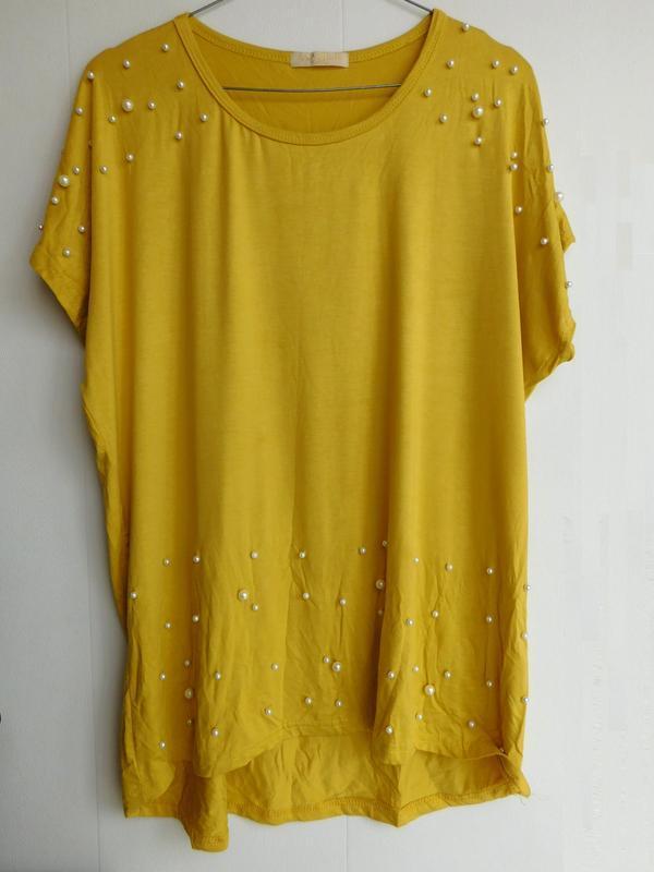 Желтая футболка майка с жемчужинами
