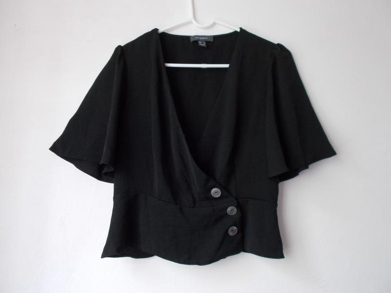Трендовая блуза блузка топ на запах с пуговицами от atmosphere