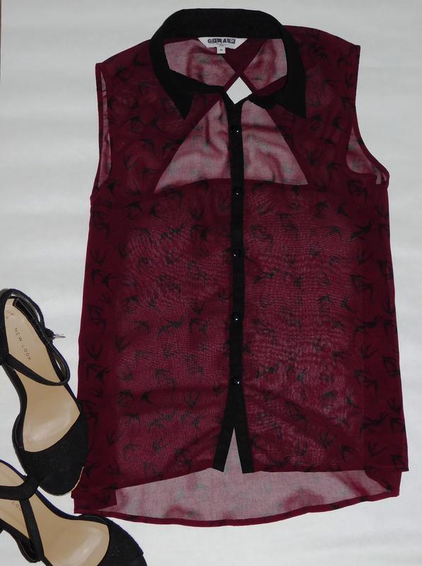 Блуза блузка без рукавов с треугольным вырезом на спине принт ...
