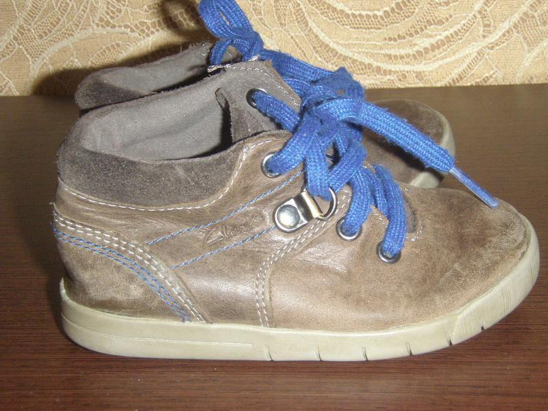 Ботинки ботиночки на шнурках натуральная кожа clarks 22р.