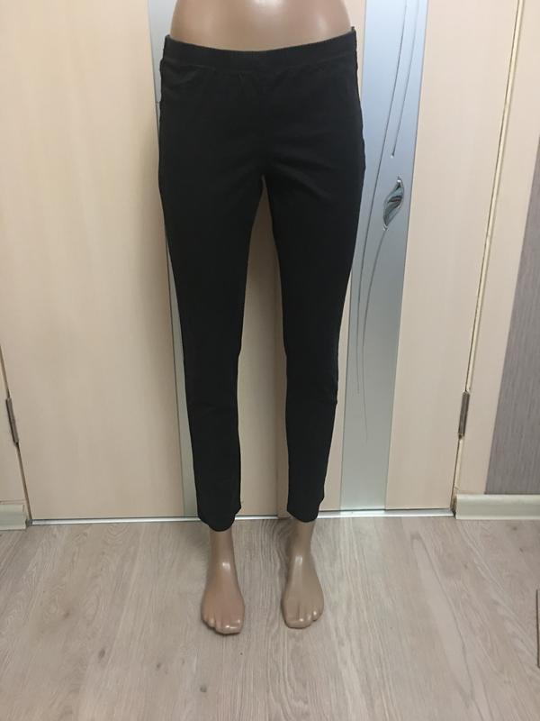 Чёрные штаны на резинке