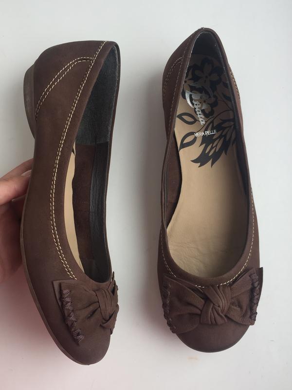 Кожаные балетки bata 38 р. туфли коричневые
