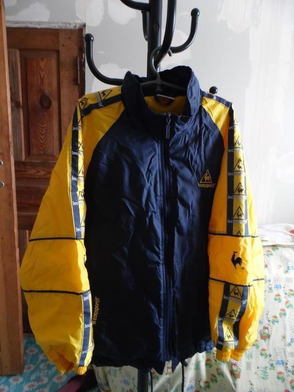 Куртка фірмова спортивна