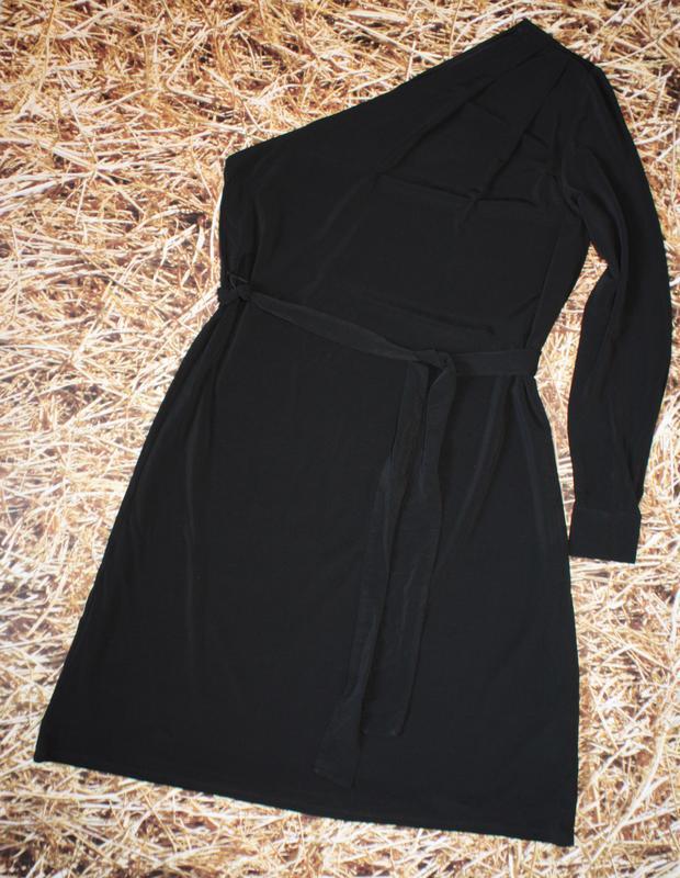 Новое платье h&m на одно плечо. размер м