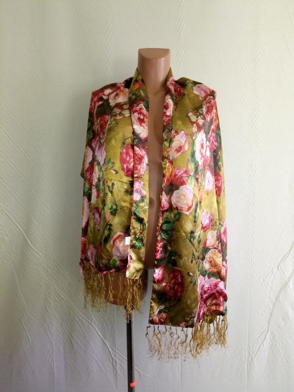 Роскошный большой цветочный шелковый шарф.