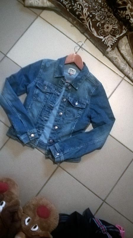 Женская джинсовка.