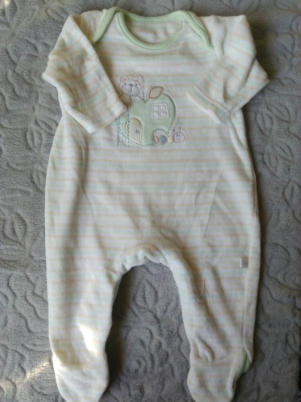 Человечек велюровый на новоржденного