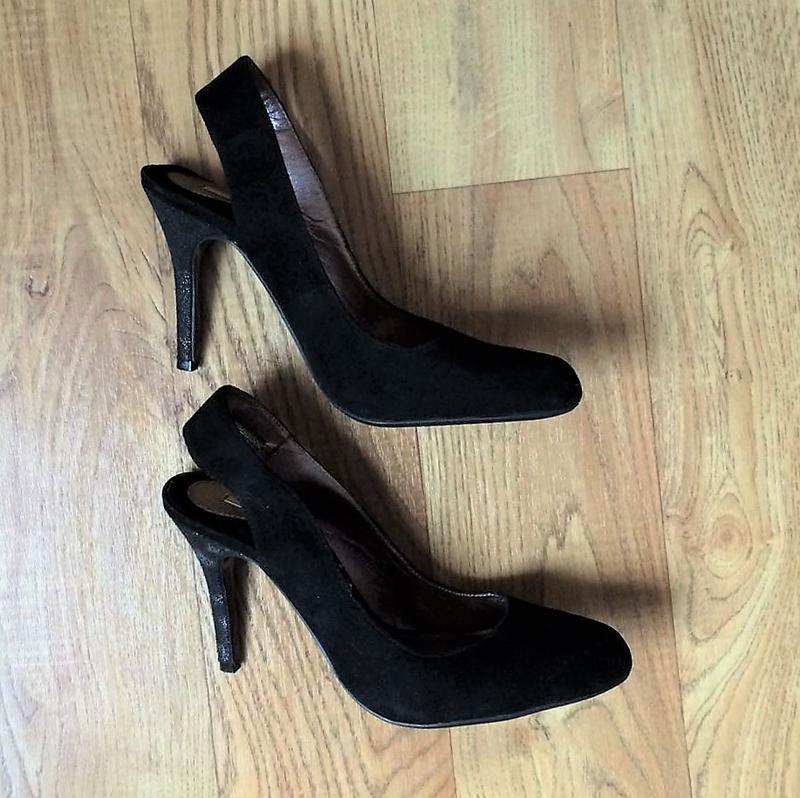 Шикарні туфельки з відкритою пяточкою,100% шкіра, р.38,5