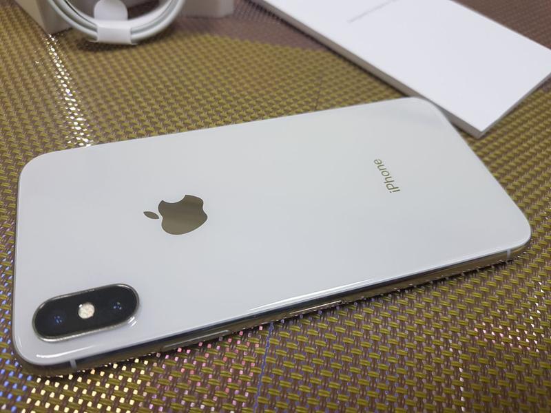 Apple iPhone X 256Gb. Silver ( neverlock ) от магазина - Фото 7