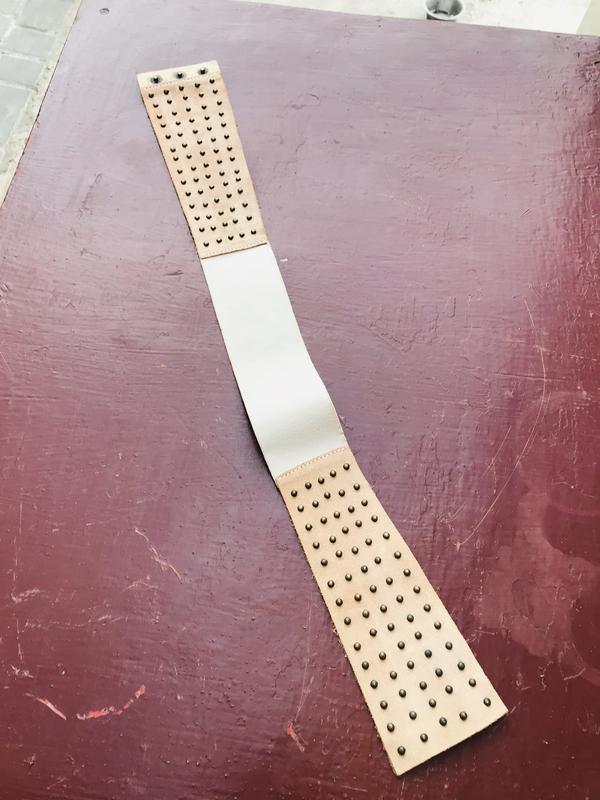 Кожаный ремень на пояс с резинкой на задней части