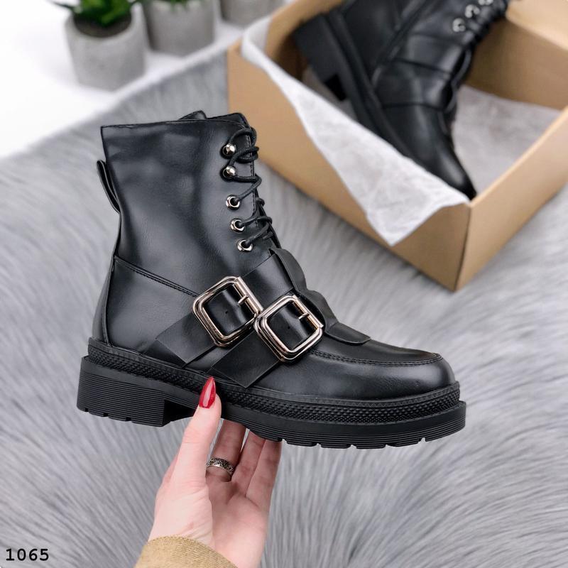 Стильные зимние ботинки с ремешками