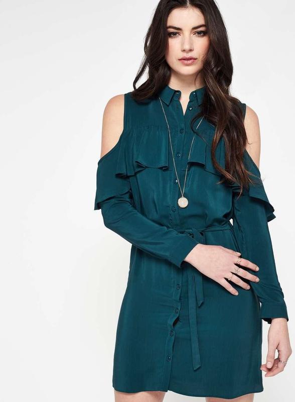Платье зелёное бутылочное рубашечный стиль с воланами и открыт...