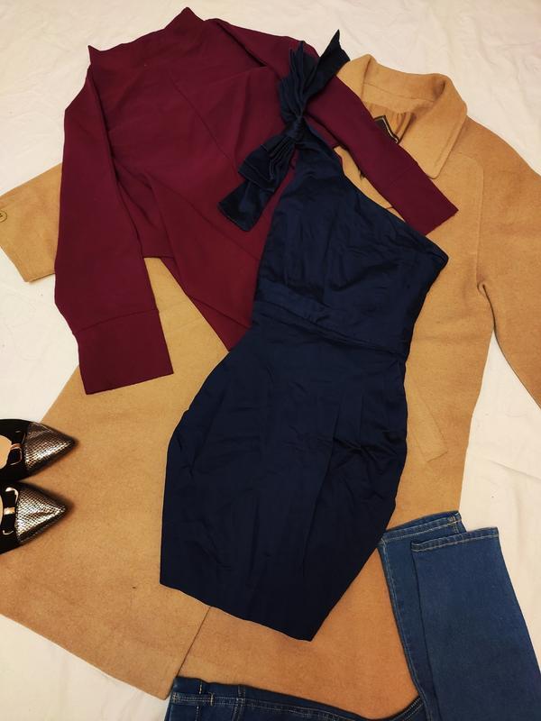 French connection платье тёмно синее на одно плечо коктейльное...