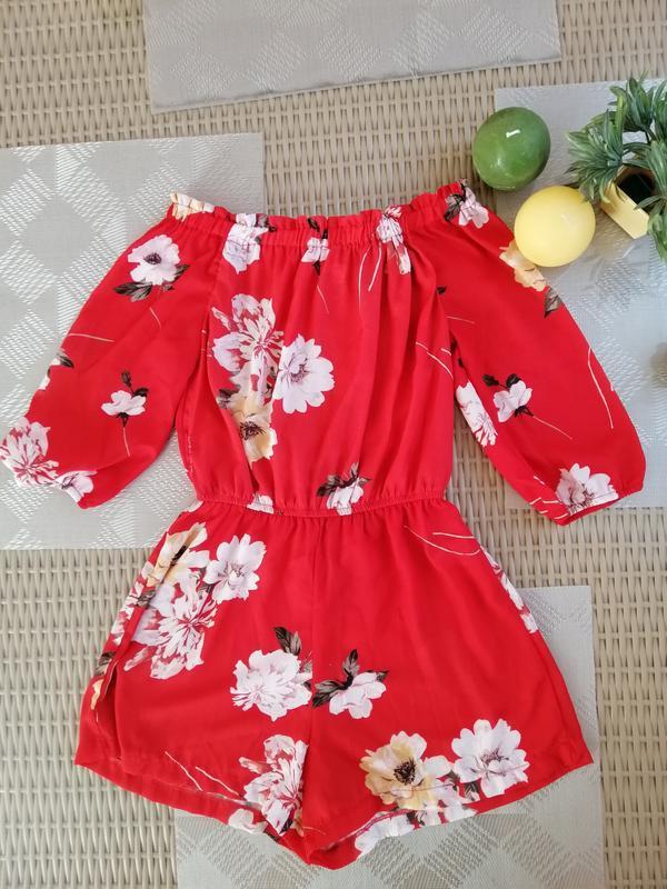 Комбинезон шорты красный в цветочный принт tally weijl
