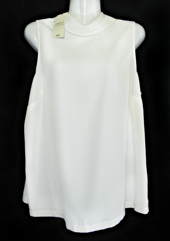 Женственная матовая блуза с высоким воротом р.14