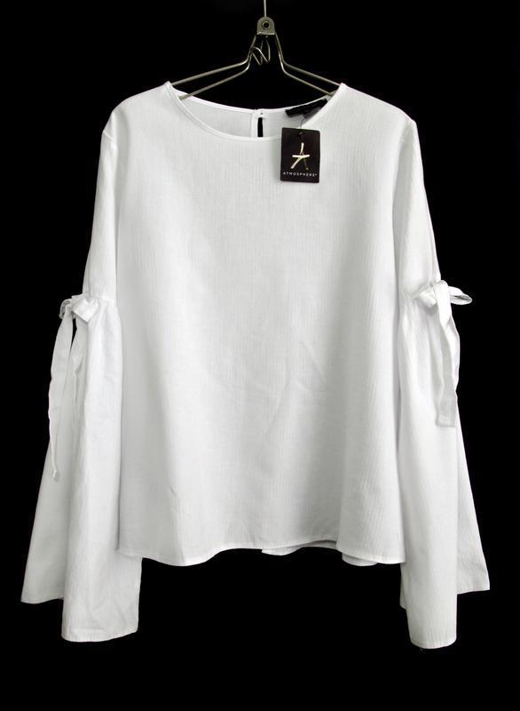 Красивая белая блуза с широкими рукавами р.16