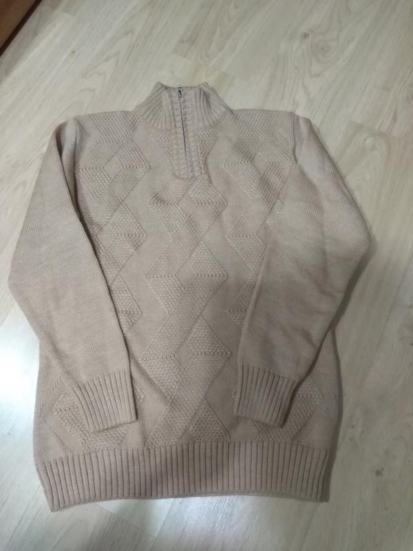 Актуальный мужской свитер