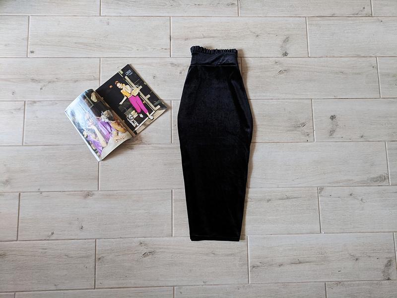 Красивая бархатная юбка карандаш миди с красивым поясом s m