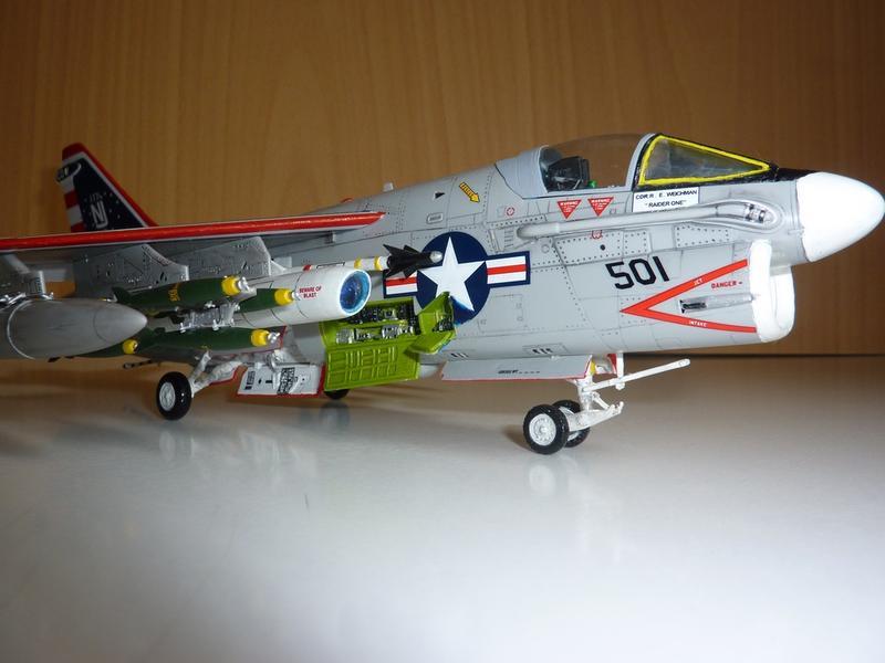 модель самолёта A-7B Corsair.