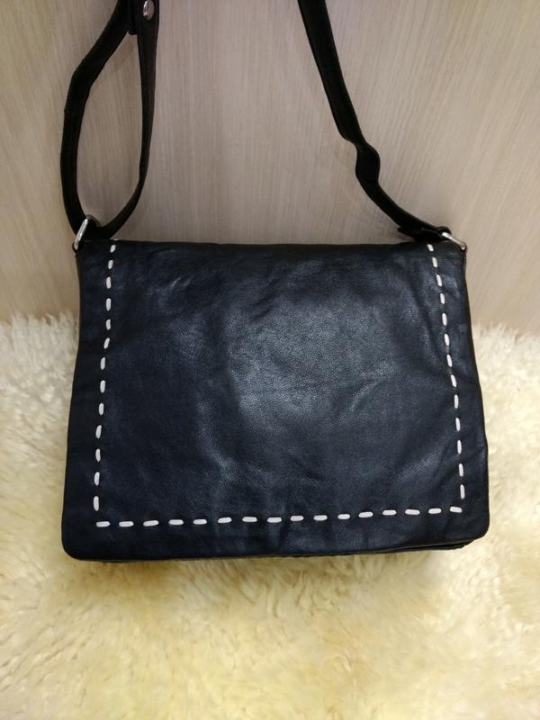 Удобная кожаная сумка планшетка debenhams