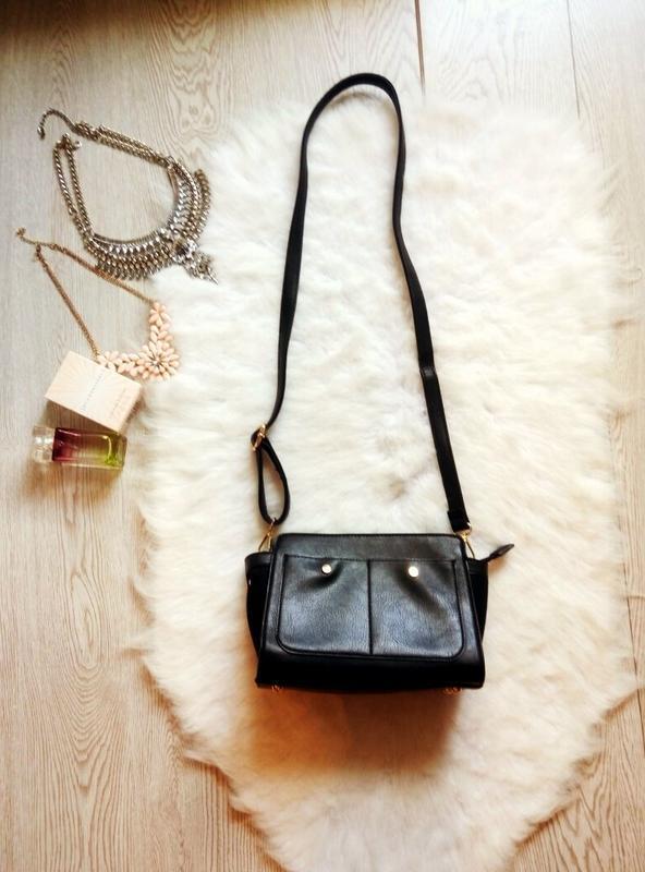Черная сумка кросс боди parfois маленькая эко кожа замш длинна...