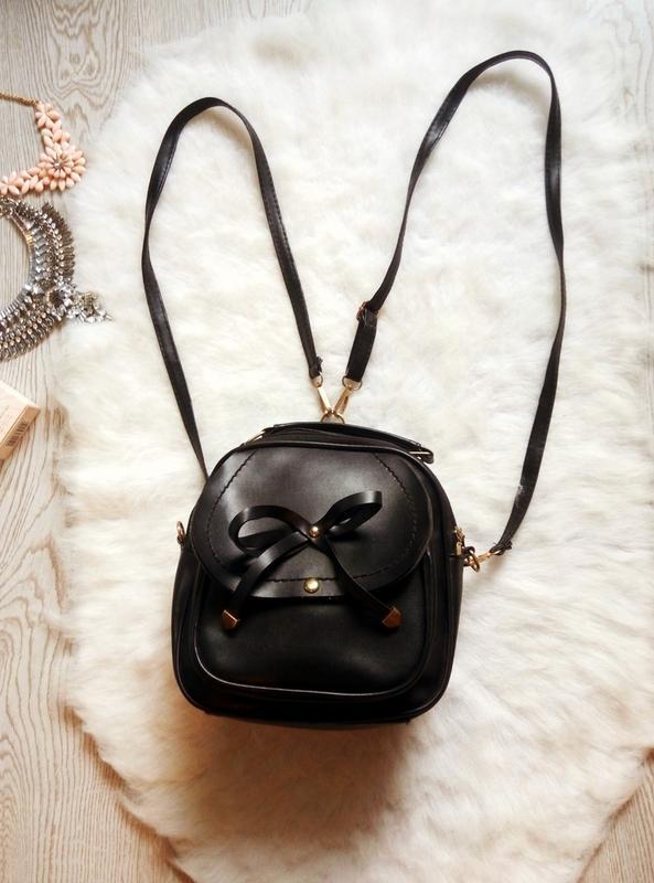 Черный маленький вместительный рюкзак сумка эко-кожа с бантом ...