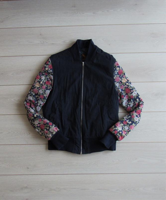 Теплая куртка бомбер в цветочный принт от globalsportsus